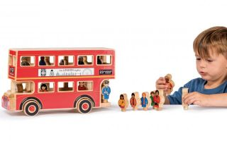 Lanka-Kade-Londonbus.jpg