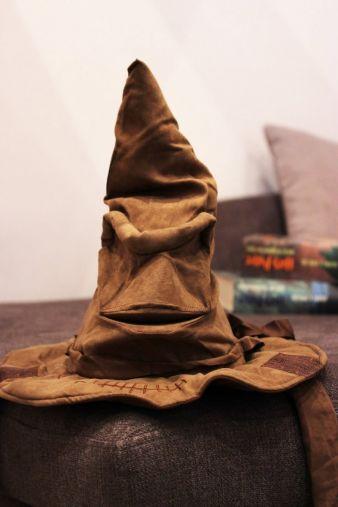 Sprechender-Hut-Spielzeug.jpg