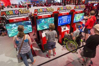 Nintendo-Stand.jpg
