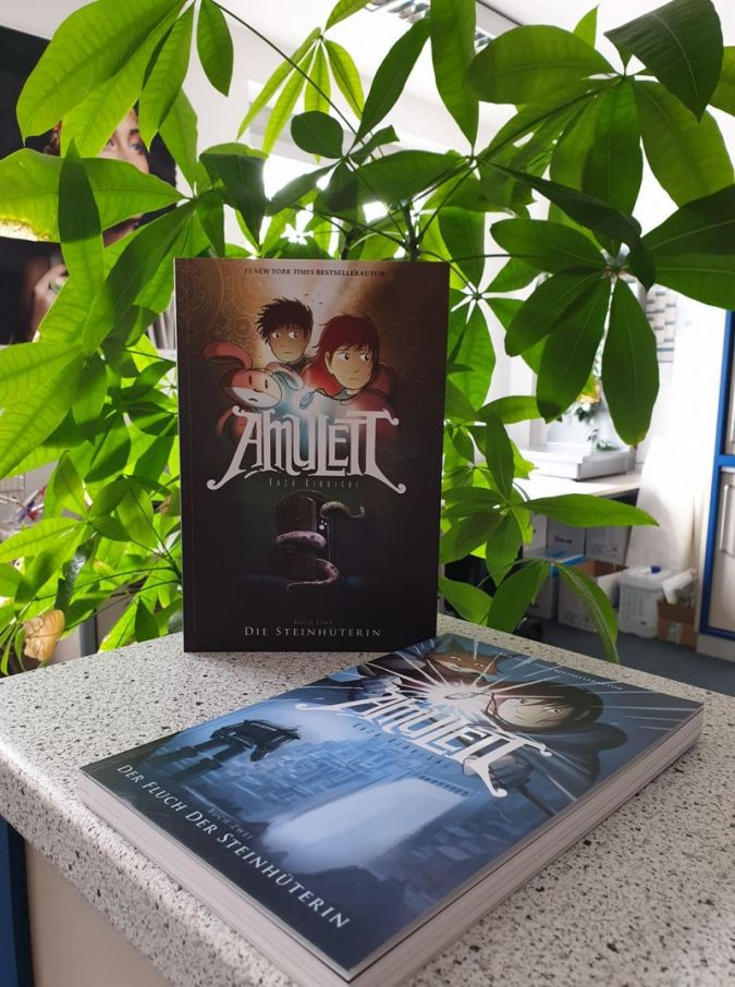 Amulett-Adrian-Verlag.jpg
