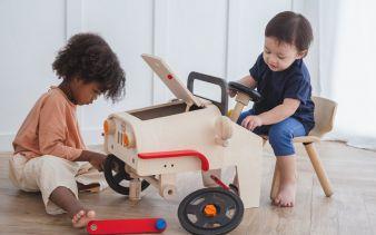 Plan-Toys-Motor-Mechanic.jpg