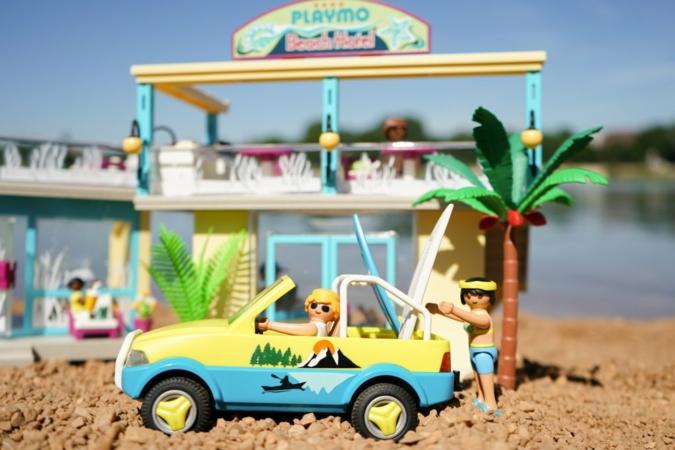 Playmobil-Beach-Hotel.jpg
