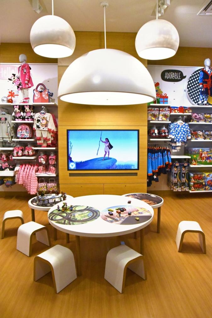 Disney-Store-innen.jpg