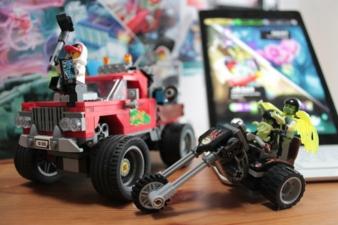 Lego-Hidden-Side-Stunt-Truck.jpg