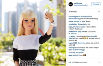 115435_barbie-selfie.png