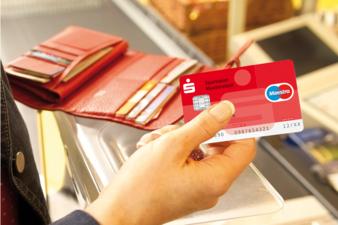 neue_SparkassenCard_Supermarkt