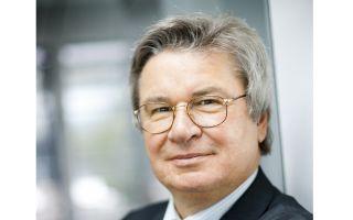 Porträt_Prof. Klaus Fischer quer