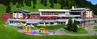 Hotelansicht-Kinderhotel.jpg