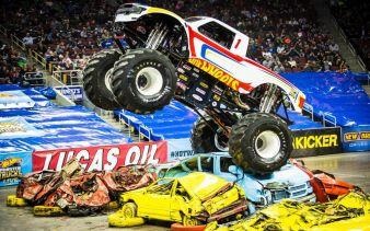 Mattel-Hot-Wheels-Trucks-Live.jpg