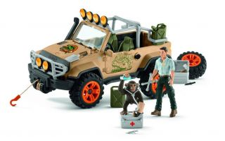 Ranger-mit-Schimpanse.jpg